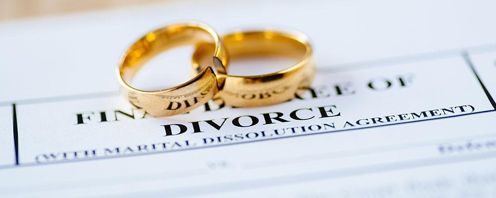 Kane County divorce lawyer attorneys' fees expenses
